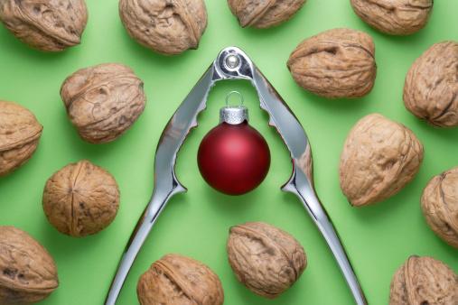 xmas-nuts-green